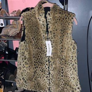 NWT Faux leopard print vest reversible size small